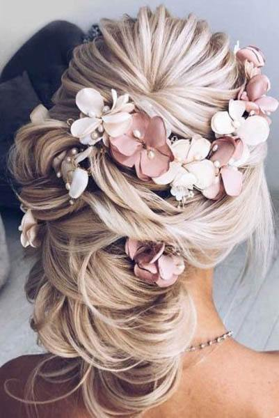 Low Flowery Hairdo With Twisted Side