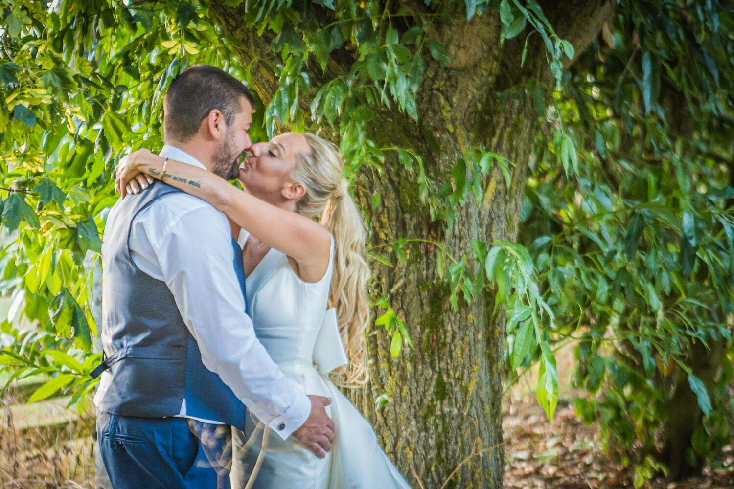 Oxleaze Barn wedding LA 126