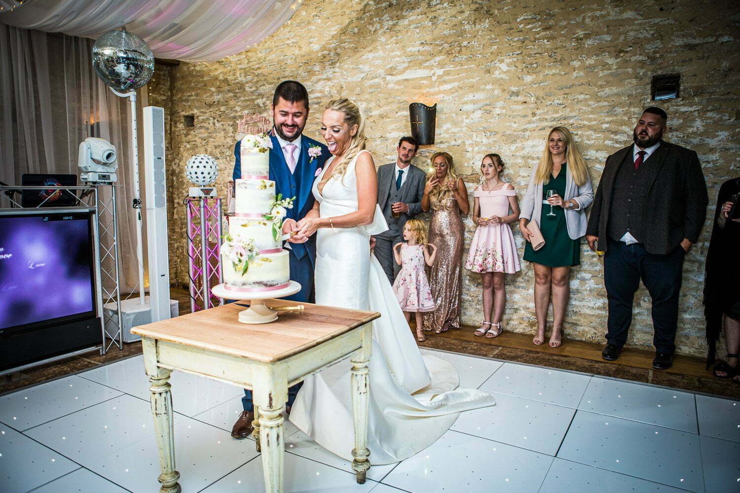 Oxleaze Barn wedding LA 131