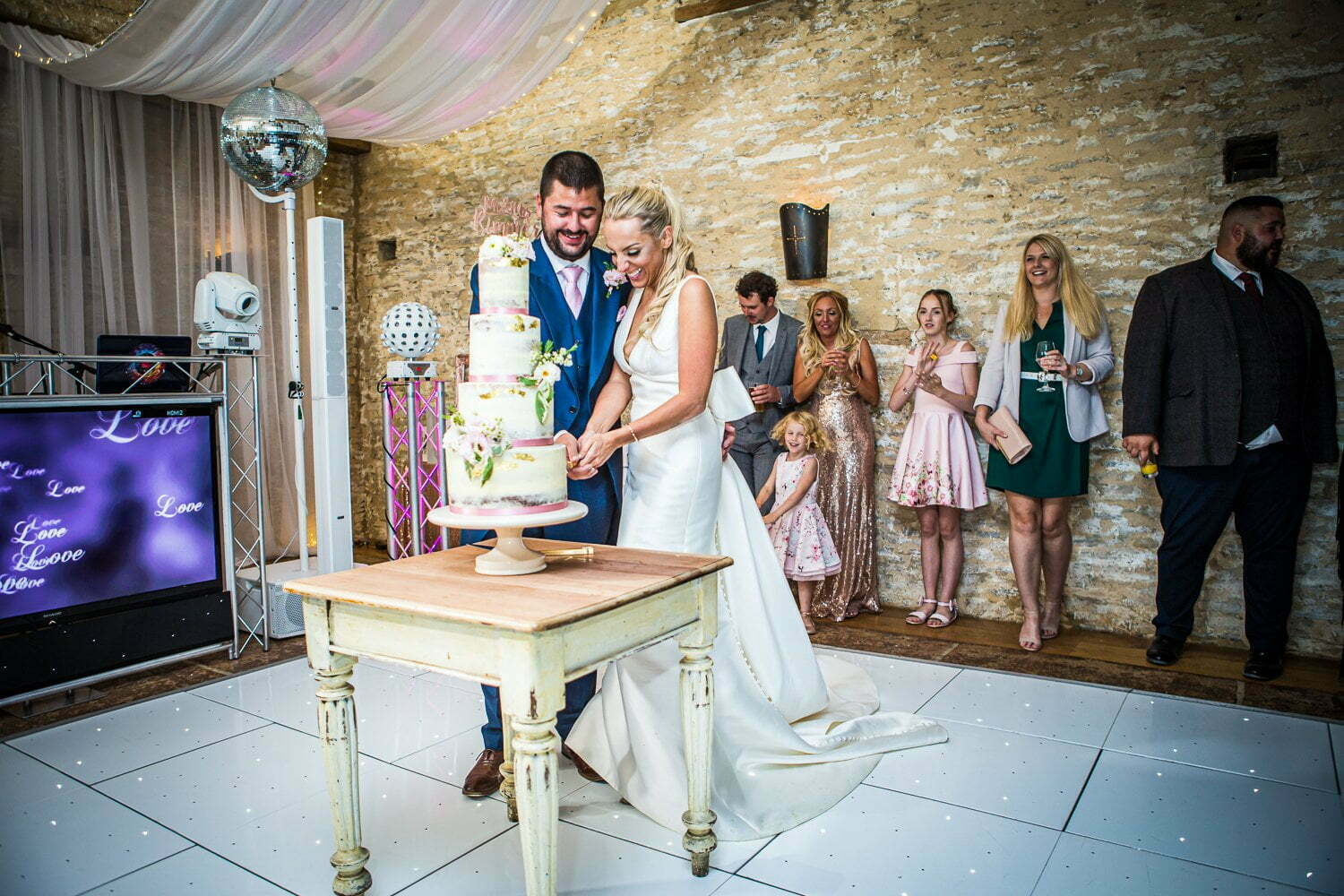 Oxleaze Barn wedding LA 132