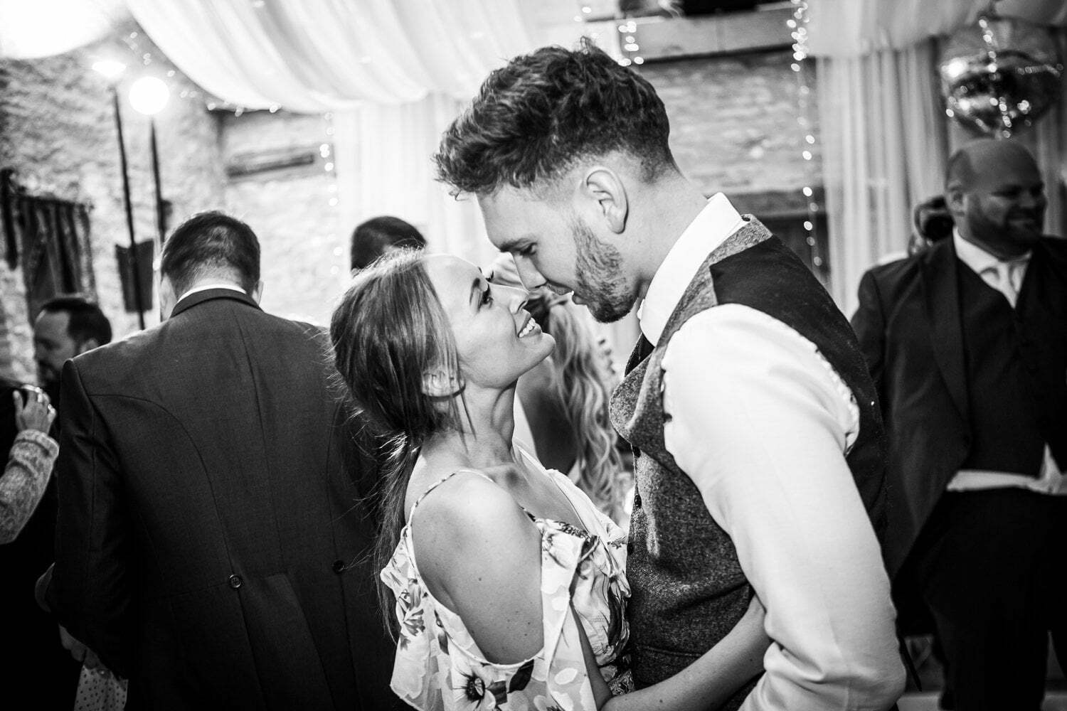 Oxleaze Barn wedding LA 146