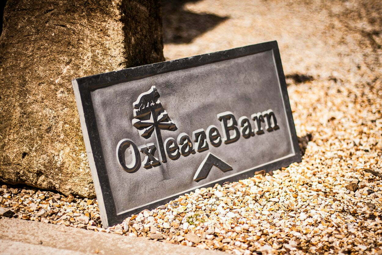 oxleaze barn wedding JS 1