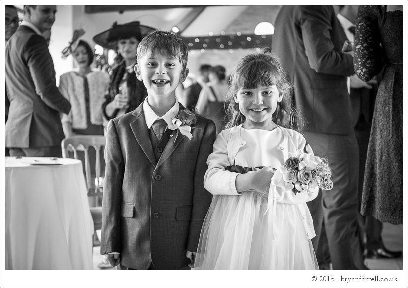 kingscote barn wedding photographers GA 79