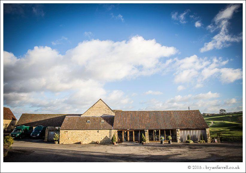 kingscote barn wedding photographers GA 80